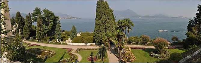 Vue sur le jardin et le lac d'Isola Bella