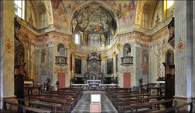 Vue intérieur de la Madonna del Sasso
